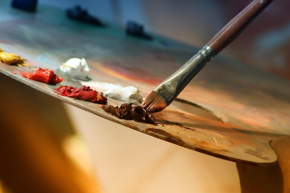Salvador Dali — surrealistyczny ekscentryk i jego obrazy abstrakcje